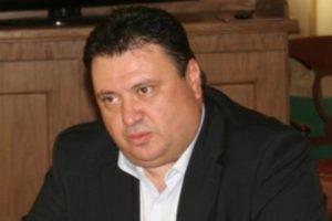 Και ο Θανάσης Γικόνογλου στη μεγάλη αγκαλιά του ΣΥΡΙΖΑ
