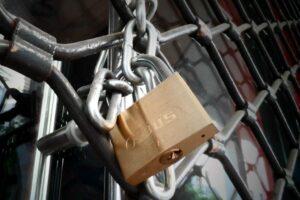 Κοροναϊός: Στο τραπέζι το lockdown «δύο ταχυτήτων» – Οι ημερομηνίες κλειδιά και τα σενάρια για άρση μέτρων